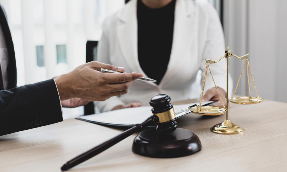 attorney explaining pendente lite order laws in Virginia